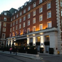 Photo taken at London Marriott Hotel Grosvenor Square by Colin B. on 9/29/2012