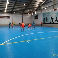 Photo taken at Planet Futsal Yogyakarta by RUDI B. on 10/14/2017