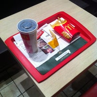 Photo taken at McDonald's by Arthur L. on 1/15/2013