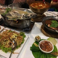 Photo taken at Paknam Seafood by Zai Z. on 4/29/2017