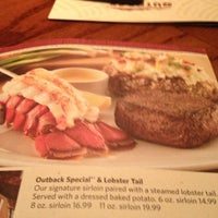 Photo taken at Outback Steakhouse by Mareike Y. on 11/11/2012