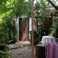 Photo taken at Bualuang Studio Cafe by Sarinda C. on 6/13/2015