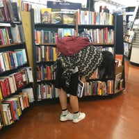 Photo taken at Books Kinokuniya (คิโนะคูนิยะ) 紀伊國屋書店 by Earth P. on 2/23/2015