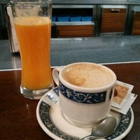 Photo taken at Cafeteria Vejo by Luciabruja on 7/30/2014