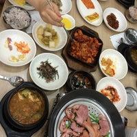 Photo taken at 하늘빛 우렁쌈밥 by Danny K. on 5/18/2014
