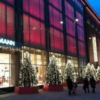 11/24/2012 tarihinde Sergеziyaretçi tarafından Stockmann'de çekilen fotoğraf