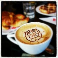 Foto tomada en Caffé del Doge por Fede B. el 11/25/2012