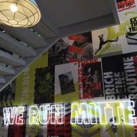 Das Foto wurde bei Nike Store von Sidewalk Hustle am 7/6/2015 aufgenommen