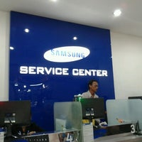 Photo taken at Samsung Service Center by Iqbal H. on 5/13/2013