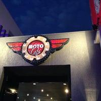Foto tirada no(a) Moto Shopping - Suzuki por Thales C. em 4/19/2013