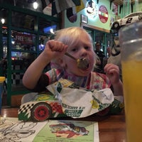 Photo taken at Quaker Steak & Lube Pohatcong by Kyle L. on 11/14/2015