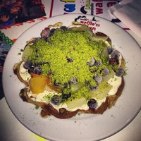 Photo taken at Waffle'cı Akın by Erdinc E. on 5/10/2013