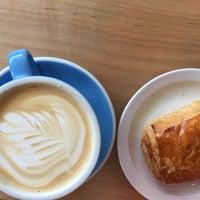 Foto tirada no(a) Fleet Coffee Co por Christina em 12/21/2016