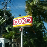Photo taken at Oxxo Conchas Chinas by Felipe B. on 10/18/2012