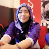 Photo taken at Secret Recipe Bintulu by Syarah S. on 11/1/2013