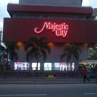 Photo taken at Majestic City by Mufa on 9/15/2013