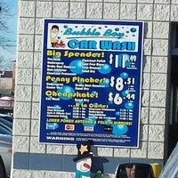 Photo taken at Bubble Boy Car Wash by hanibal o. on 1/4/2014