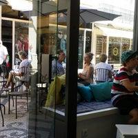 Foto tirada no(a) Baixa Caffé por Antonio M. em 7/8/2014