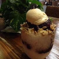 Photo taken at Caffé Bene by Zozo on 10/6/2014