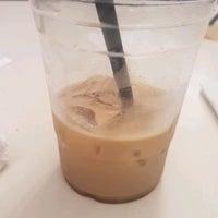 Photo taken at Blue Dot Coffee by Samuel Z. on 4/15/2017