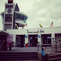 Photo taken at Terminal Jeti Lumut by ahmad nadi k. on 2/16/2013
