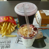 Foto tirada no(a) McDonald's por Daiane Cristina R. em 4/1/2013