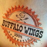 Foto tirada no(a) Buffalo Wings por Camila G. em 12/29/2012