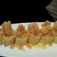 Foto tomada en Aji Sushi por Adrienne R. el 7/10/2013