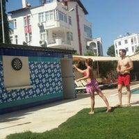 6/22/2016 tarihinde 🎈👻 Benim .ziyaretçi tarafından Lara World Hotel Havuz Başı'de çekilen fotoğraf