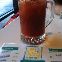 Das Foto wurde bei TJ Oyster Bar von Luis S. am 1/13/2013 aufgenommen