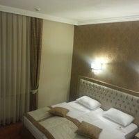 2/24/2013 tarihinde Onur K.ziyaretçi tarafından Büyük Truva Oteli'de çekilen fotoğraf