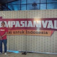 Photo taken at Gedung Sasono Utomo by Dimas F. on 11/22/2014