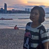 Снимок сделан в Pattaya Beach пользователем Emasastra P. 8/14/2015