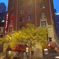 Photo taken at Red Roof Inn Chicago Downtown - Magnificent Mile by Michelle K. on 11/9/2013