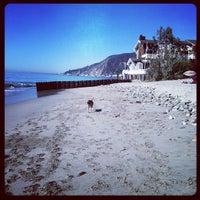Photo prise au Topanga State Beach par Shadii S. le10/28/2012