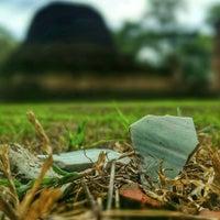 Photo taken at วัดสวนแก้วอุทยานใหญ่ by Thaagoon A. on 7/25/2015