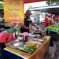 Photo taken at Pasar Malam Bandar Baru KS by Hazli D. on 1/11/2014