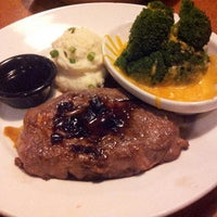 Photo taken at TGI Fridays by Laura H. on 11/16/2013