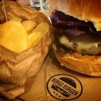 Foto scattata a Borgo Burger da Vizio il 11/21/2015