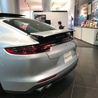 6/18/2017 tarihinde Big R.ziyaretçi tarafından Porsche Center Ginza / ポルシェセンター銀座'de çekilen fotoğraf