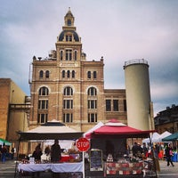 Photo taken at Pearl Farmers Market by Thien G. on 1/5/2013