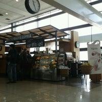 Foto diambil di Starbucks oleh Igor B. pada 9/30/2012