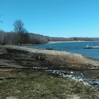 Photo taken at Fourwinds Lakeside Inn & Marina by NNNK  . on 3/22/2017
