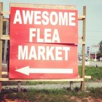 รูปภาพถ่ายที่ World's Awesome Flea Market โดย Kecia F. เมื่อ 4/26/2014