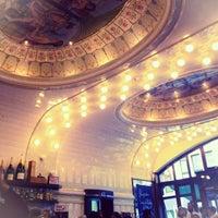 Das Foto wurde bei Café Paris von Elisse Z. am 8/11/2013 aufgenommen
