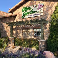 Photo taken at Olive Garden by Ryan S. on 10/14/2017