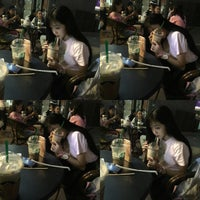 Photo taken at Starbucks (星巴克) by 雯儿 王. on 8/29/2016