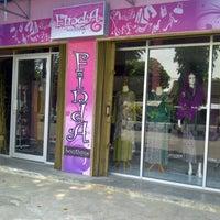 Photo taken at Finda butik by Yulinda G. on 9/13/2013