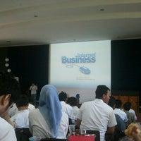 Photo taken at Gedung K, ITTelkom Bandung by hendrianto S. on 2/27/2013