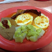 Photo taken at Tacos Del Julio by Randy H. on 12/27/2012